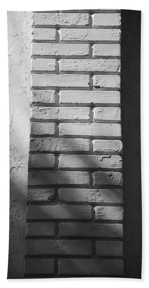 Black And White Hand Towel featuring the photograph Outside The Wall by Rob Hans