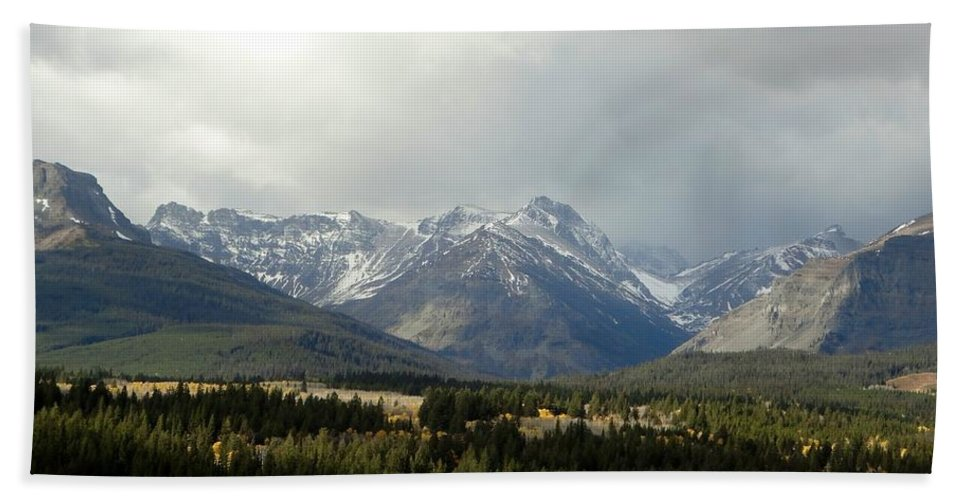 Mountains Hand Towel featuring the photograph Over The Fence To Dusted Mountains by Tracey Vivar