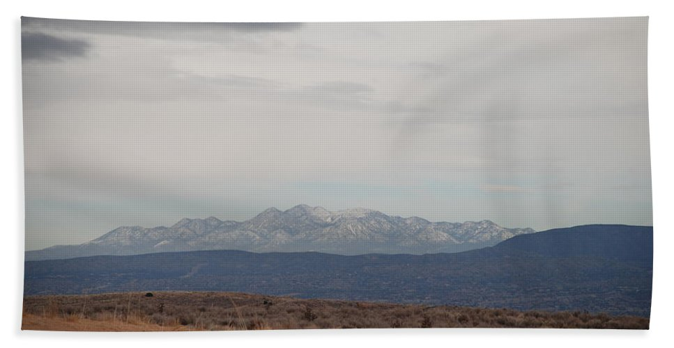 Mountains Bath Towel featuring the photograph Overcast On The Sandias by Rob Hans