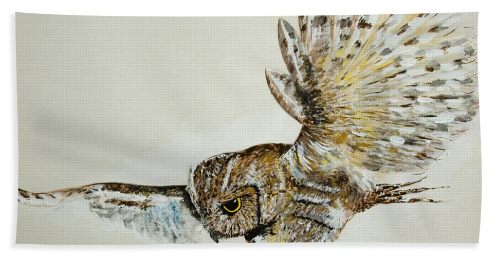 Feathers Bath Sheet featuring the painting Owl in flight by Alan Pickersgill