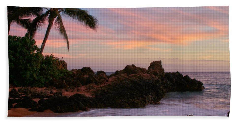 Aloha Hand Towel featuring the photograph Paa Ka Waha O Paako by Sharon Mau