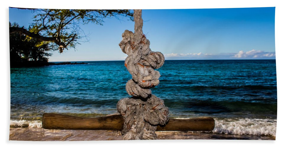 Ocean Hand Towel featuring the photograph Pacific Rope Swing by JJ Tondo