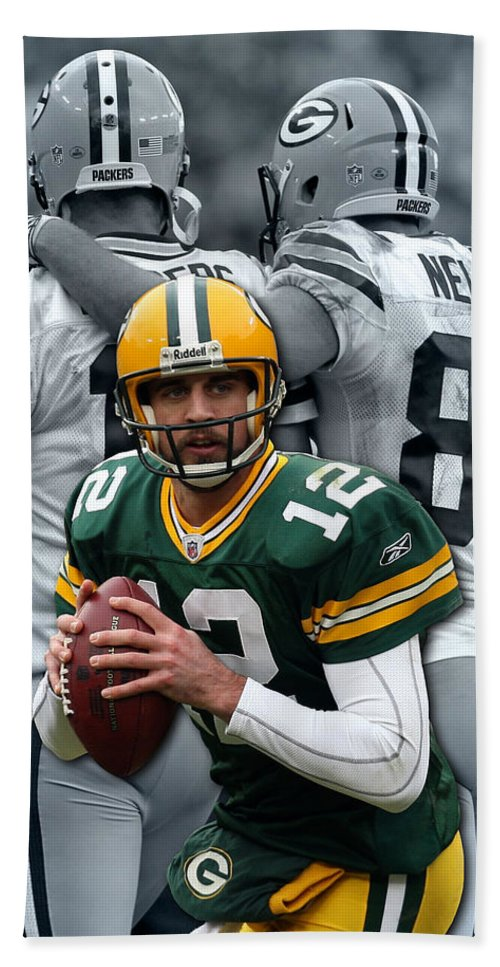 Packers Bath Towel featuring the photograph Packers Aaron Rodgers by Joe Hamilton