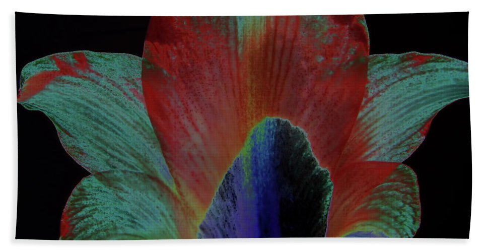 Amaryllis Bath Sheet featuring the digital art Painted From Behind by D Hackett