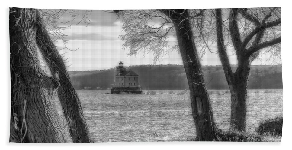 Rondout Light House Bath Sheet featuring the painting Painted Lady Light by Rachel Snydstrup