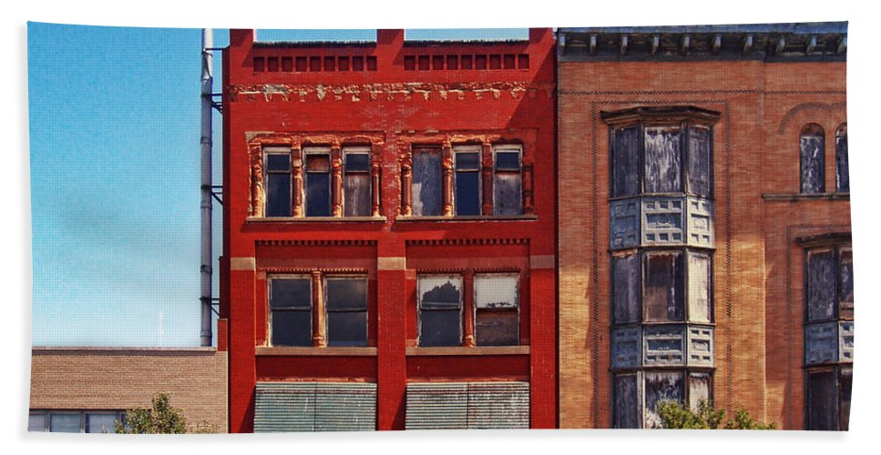 Downtown Sandusky Ohio Hand Towel featuring the photograph Painting The Town Red by Shawna Rowe