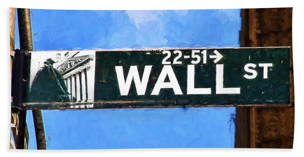 New York Hand Towel featuring the photograph Painting Wall Street by Christopher Miles Carter