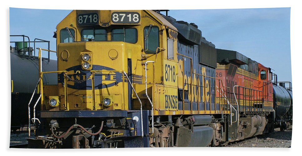 Diesel Train Bath Sheet featuring the photograph Paired Up by Ken Smith