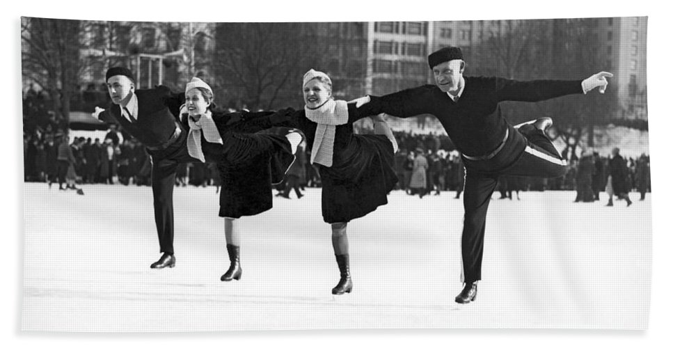 1940s Hand Towel featuring the photograph Pairs Skating In Central Park by Underwood & Underwood