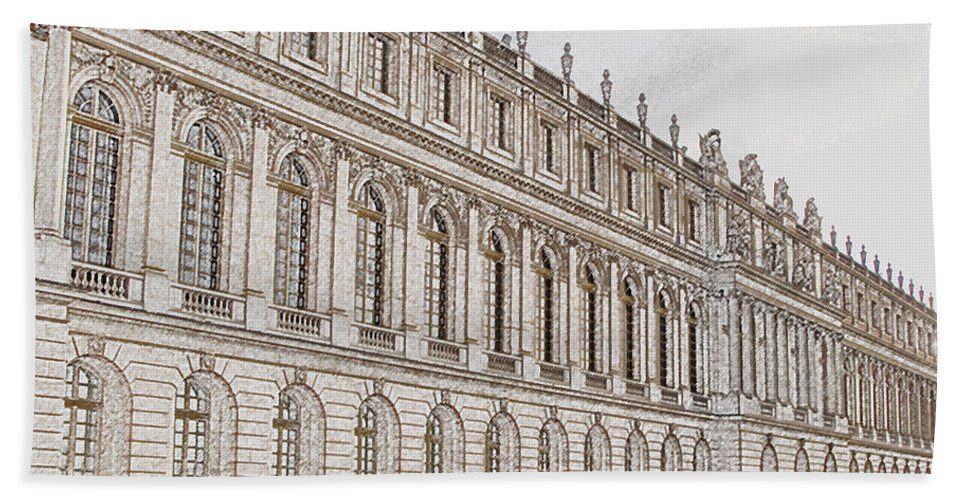 France Hand Towel featuring the photograph Palace Of Versailles by Amanda Barcon