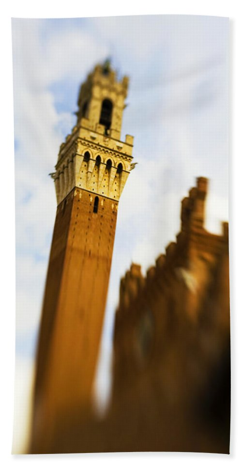 Palazzo Pubblico Hand Towel featuring the photograph Palazzo Pubblico Tower Siena Italy by Marilyn Hunt