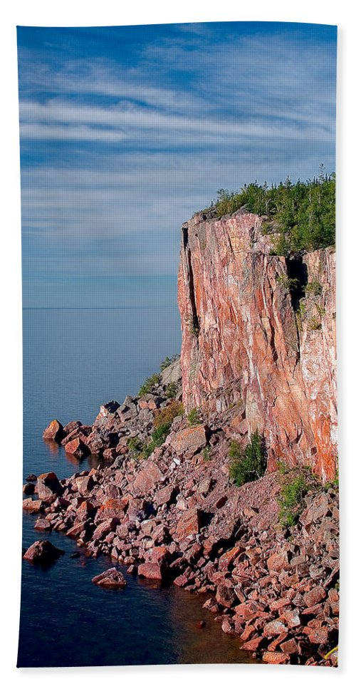 Palisade Head Hand Towel featuring the photograph Palisade Head by Rikk Flohr