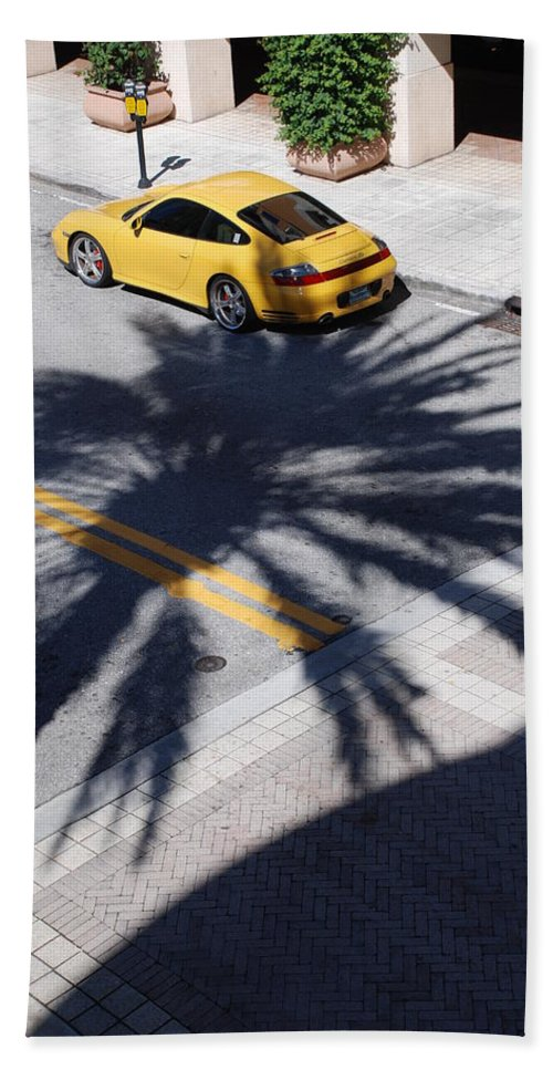 Porsche Bath Towel featuring the photograph Palm Porsche by Rob Hans