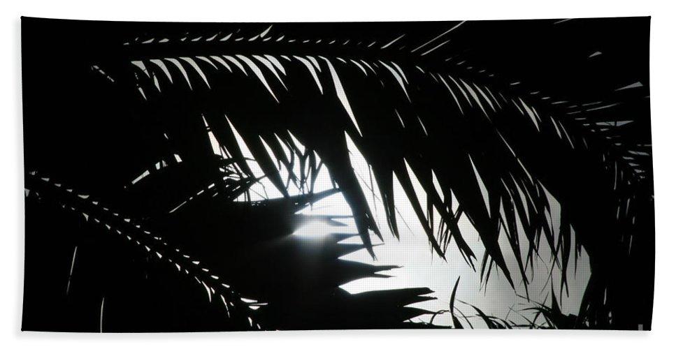 Palm Silhouettes Bath Sheet featuring the photograph Palm Silhouettes Kaanapali by Sharon Mau