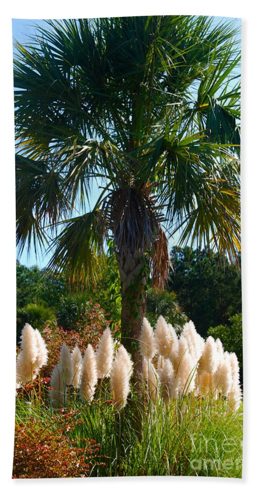 Palmetto Bath Sheet featuring the photograph Palmetto Tree by Susanne Van Hulst