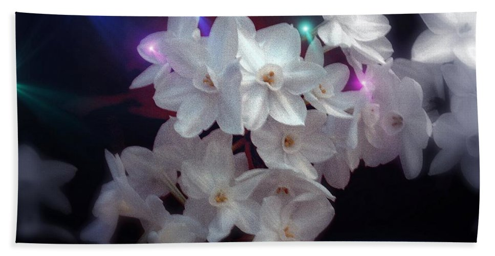 Paperwhite Narcissus And Holiday Lights Bath Sheet featuring the photograph Paperwhites by Len-Stanley Yesh