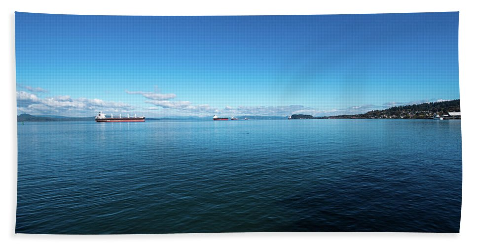 Freighters Bath Sheet featuring the photograph Parade Upriver by Tom Cochran