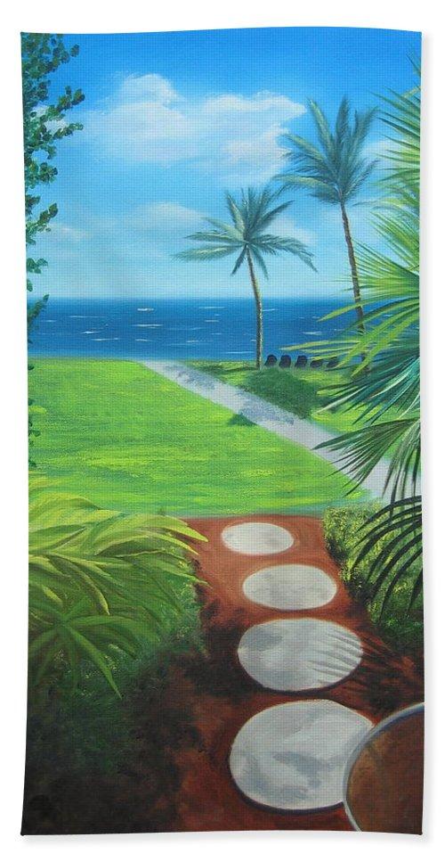 Seascape Bath Towel featuring the painting Paradise Beckons by Lea Novak