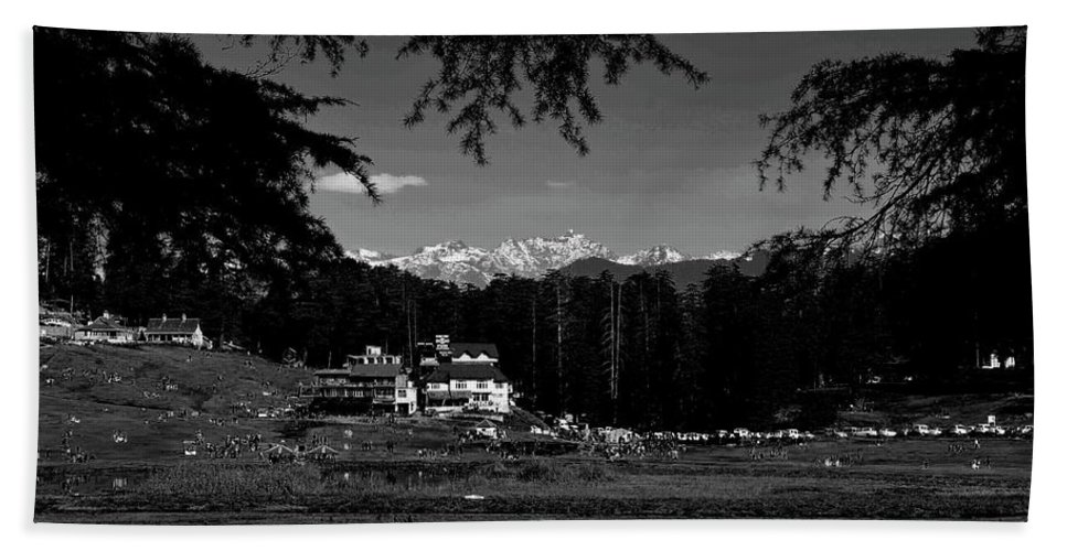 Landscape Hand Towel featuring the photograph Paradise II by Arindra Dey