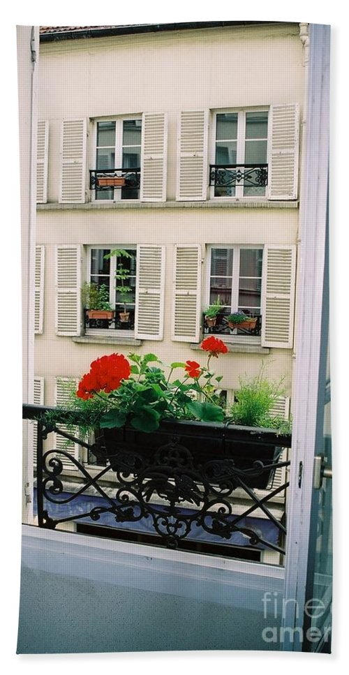 Window Bath Towel featuring the photograph Paris Day Windowbox by Nadine Rippelmeyer