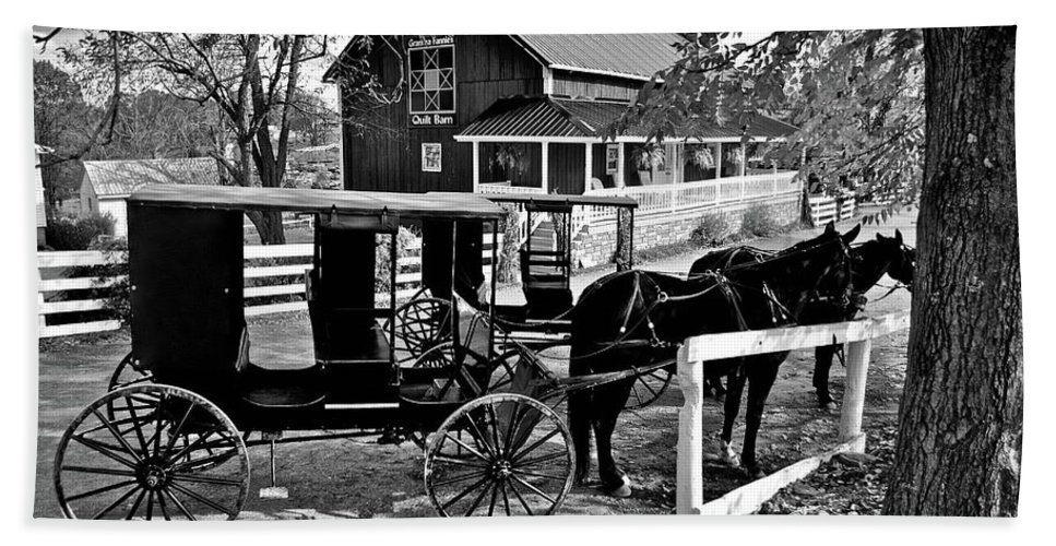 Amish Bath Towel featuring the photograph Parking In Amish Country by Frozen in Time Fine Art Photography