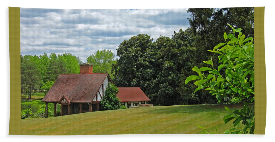 Landscape Bath Towel featuring the photograph Parkland Cottage by Ann Horn