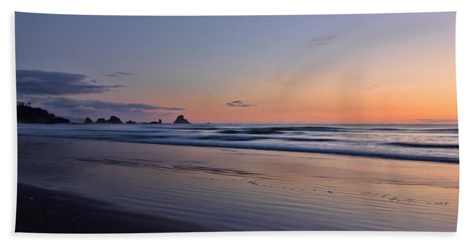 Oregon Bath Sheet featuring the photograph Pastel Coastline by Don Schwartz