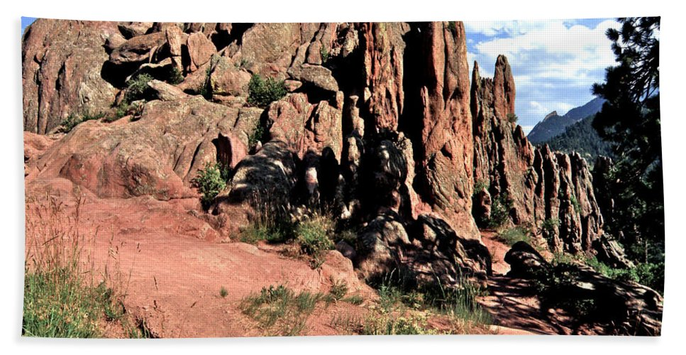 Path Red Rocks Settlers Park Boulder Colorado Rockformations Rocky Mountains Nature Bath Sheet featuring the photograph Path To Red Rocks by George Tuffy