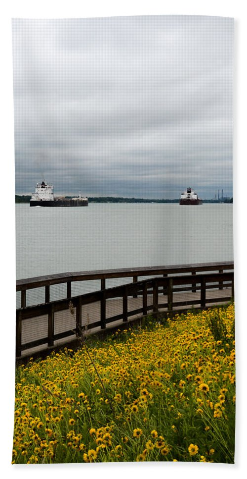 Freighter Hand Towel featuring the photograph Paul R Tregurtha by Randy J Heath