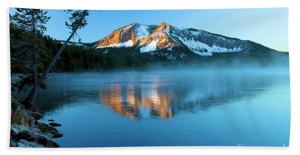 Paulina Peak Hand Towel featuring the photograph Paulina Peak In Paulina Lake by Adam Jewell