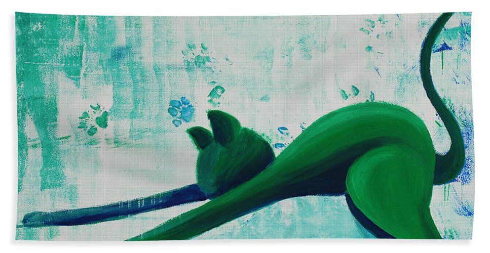 Pause Hand Towel featuring the painting Pause by Catt Kyriacou