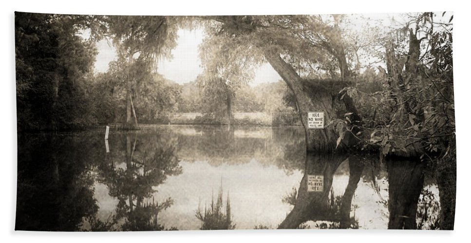 Water Hand Towel featuring the photograph Peaceful Evening by Scott Pellegrin