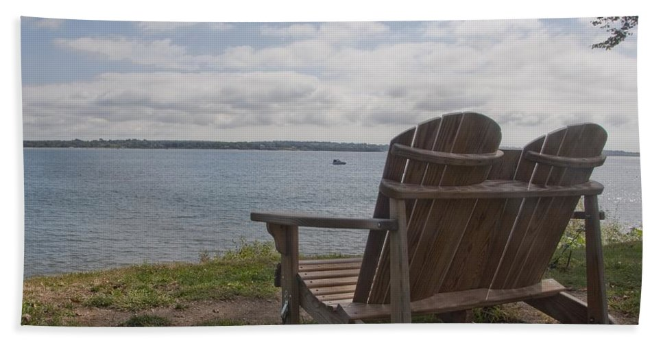 Glen Park Hand Towel featuring the photograph Peaceful Sunday Morning by Steven Natanson