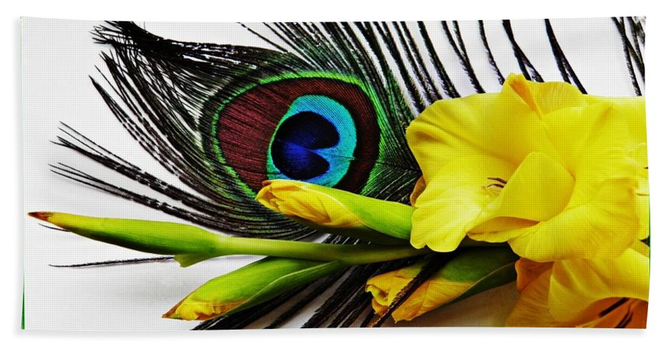 Gladiolus Bath Sheet featuring the photograph Peacock Feather And Gladiola 4 by Sarah Loft