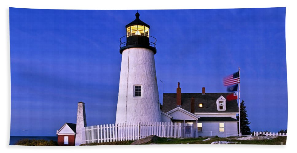 Bristol Hand Towel featuring the photograph Pemaquid Point Lighthouse Maine by John Greim
