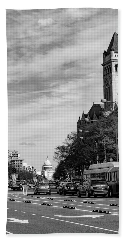 Capitol Building Hand Towel featuring the photograph Pennsylvania Avenue by SR Green