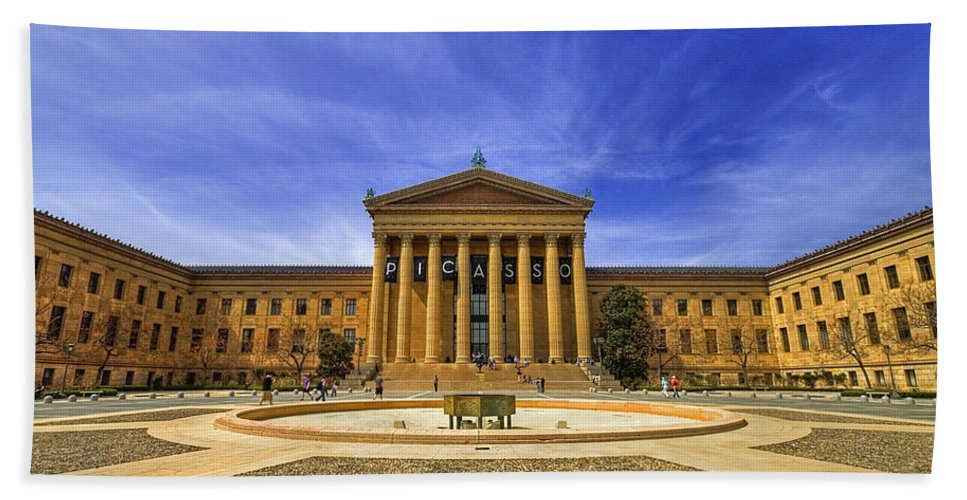 Architecture Bath Sheet featuring the photograph Philadelphia Art Museum by Evelina Kremsdorf