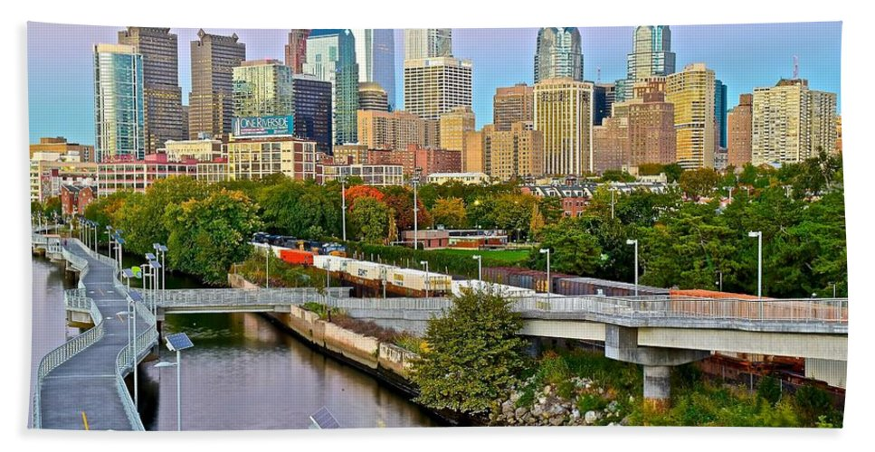 Philadelphia Bath Sheet featuring the photograph Philadelphia At Dusk by Frozen in Time Fine Art Photography