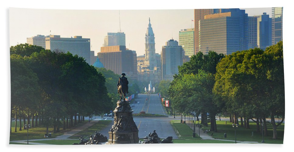 Philadelphia Hand Towel featuring the photograph Philadelphia Benjamin Franklin Parkway by Bill Cannon