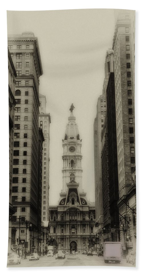 Philadelphia Hand Towel featuring the photograph Philadelphia City Hall From South Broad Street by Bill Cannon