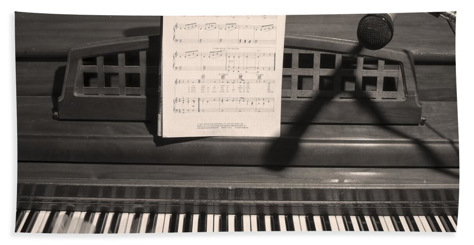 Piano Hand Towel featuring the photograph Piano Man by James BO Insogna