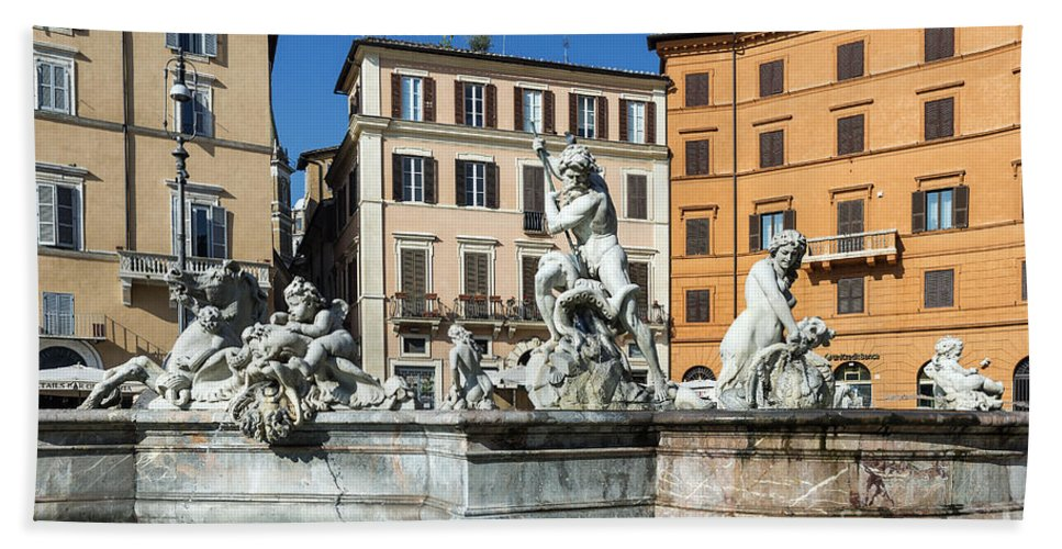 Europe Hand Towel featuring the photograph Piazza Navona by John Greim