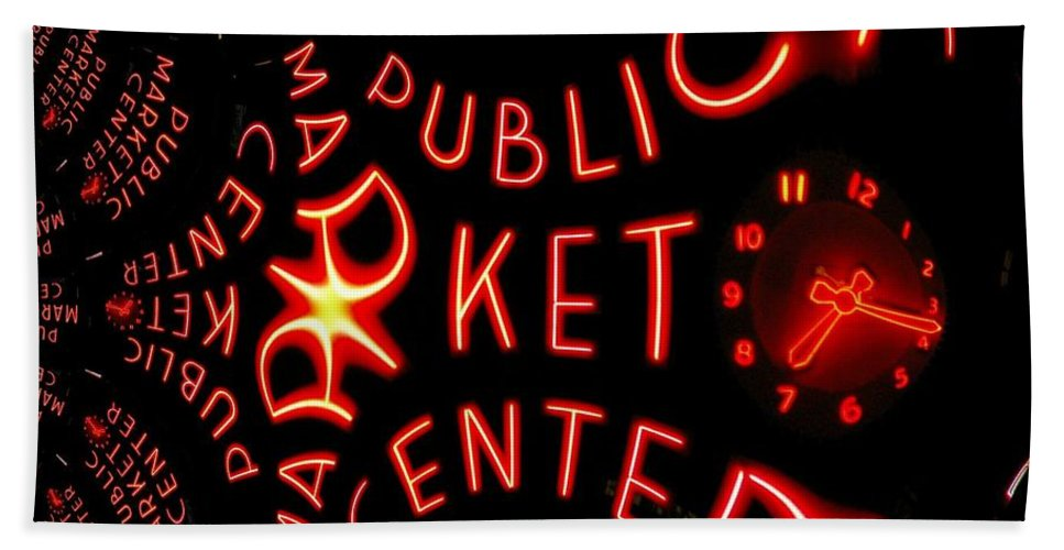 Seattle Bath Towel featuring the photograph Pike Place Market Entrance 7 by Tim Allen