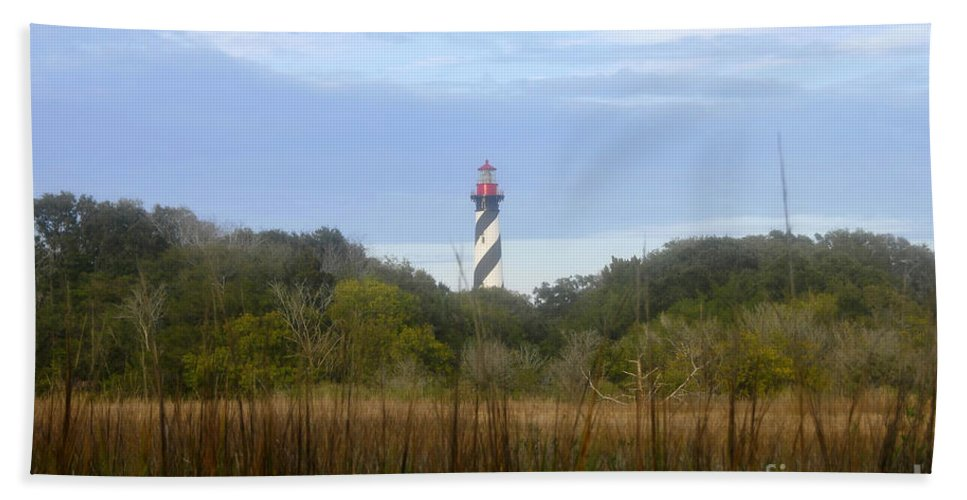 St. Augustine Florida Bath Sheet featuring the photograph Pillar Of St. Augustine by David Lee Thompson