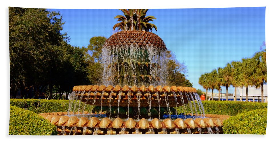 Pineapple Fountain Hand Towel featuring the photograph Pineapple Fountain Charleston Sc by Lisa Wooten