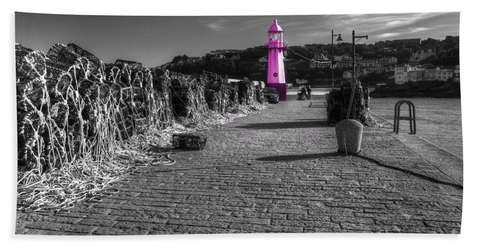 Lighthouse Hand Towel featuring the photograph Pink Lighthouse Of St Ives by Rob Hawkins