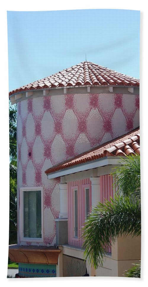Architecture Bath Towel featuring the photograph Pink Tower by Rob Hans