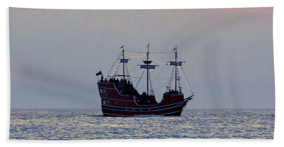 Ship Bath Sheet featuring the photograph Pirate Ship At Sunset by D Hackett