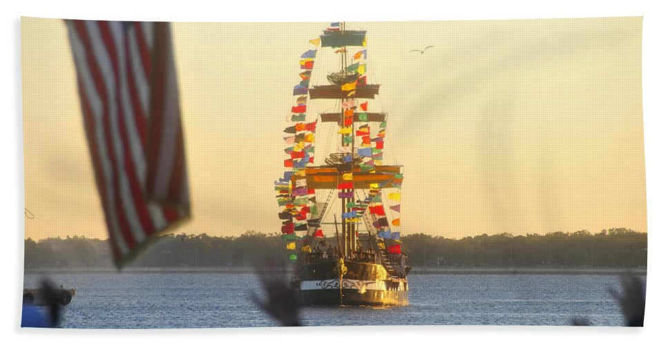 Gasparilla Children's Parade Hand Towel featuring the photograph Pirate's Arrival by David Lee Thompson