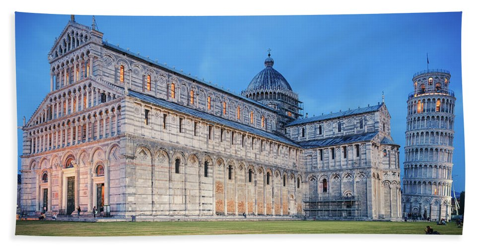 Pisa Hand Towel featuring the photograph Pisa - Piazza Dei Miracoli by Alexander Voss